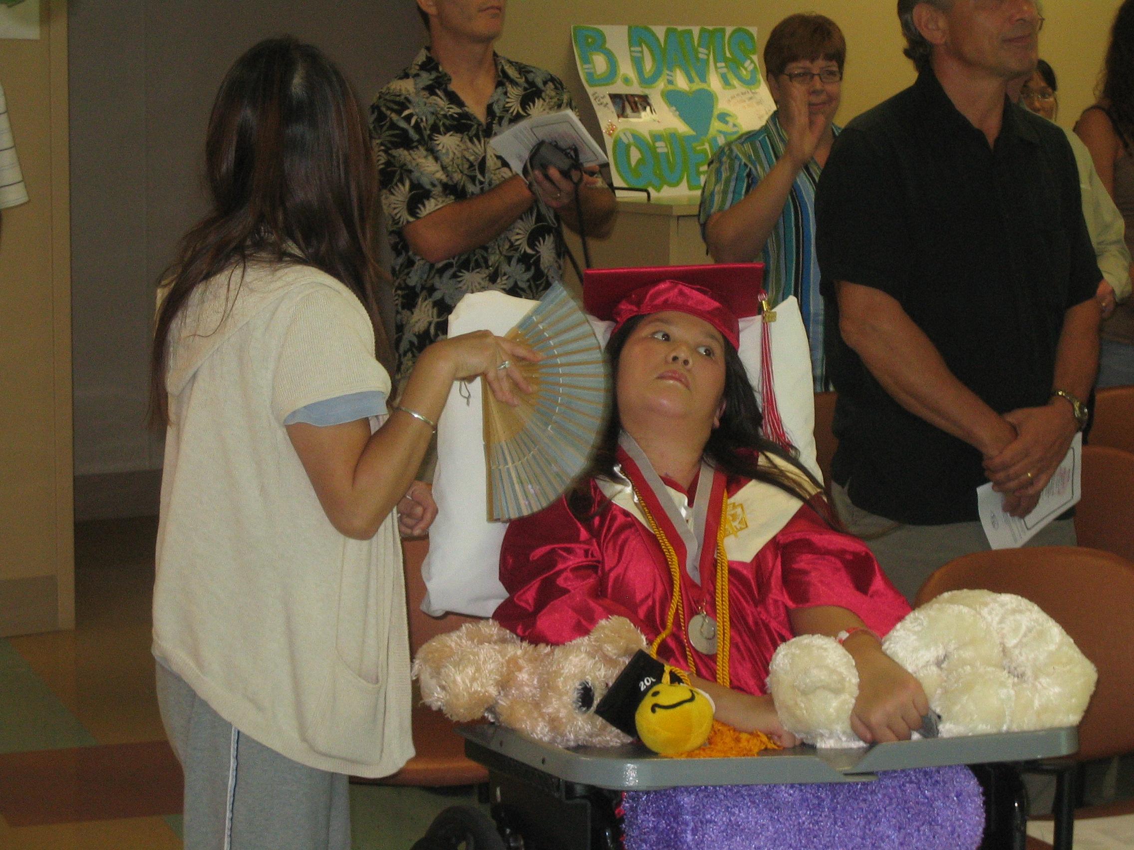 Queena Graduation 005