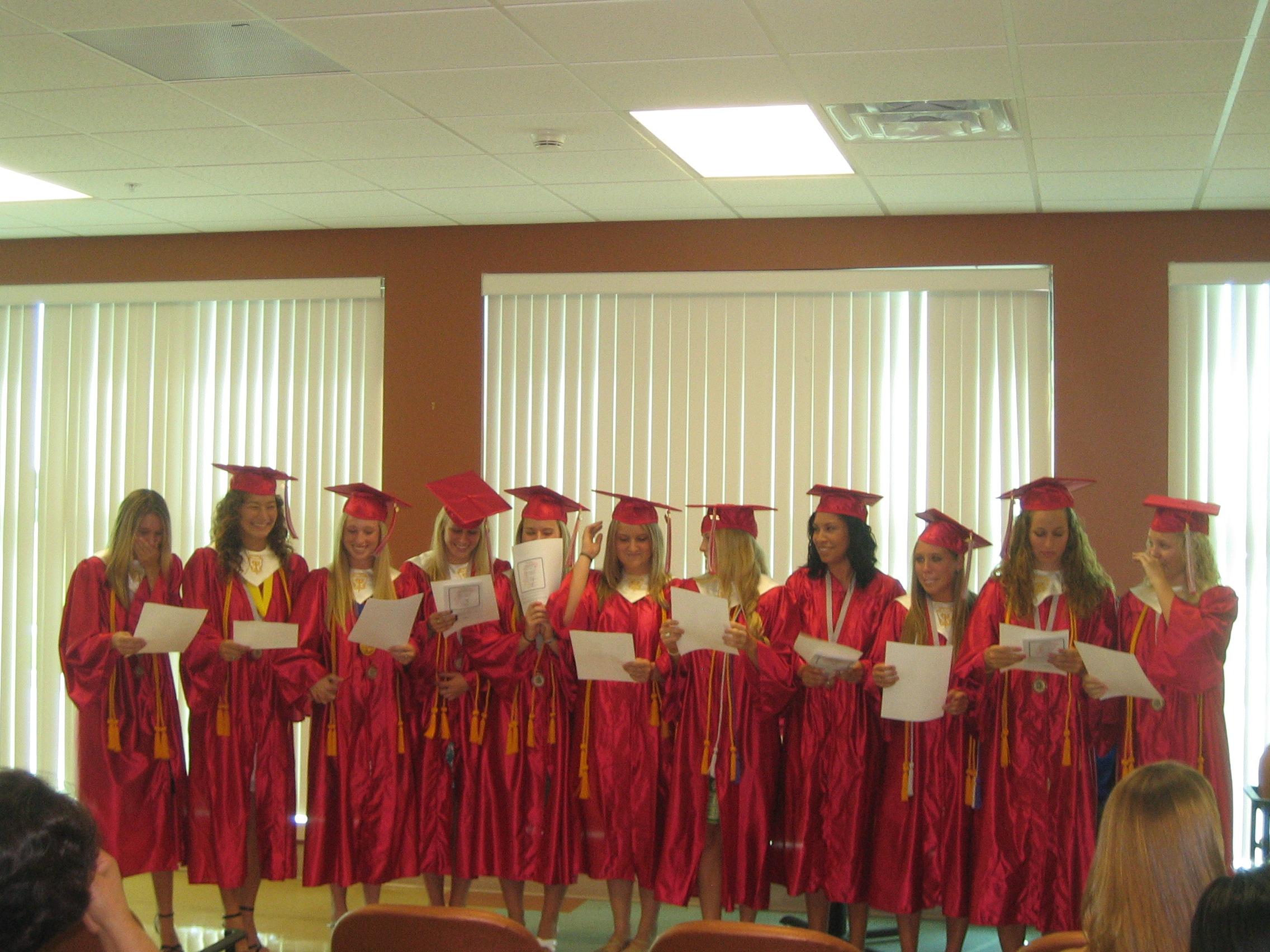 Queena Graduation 015