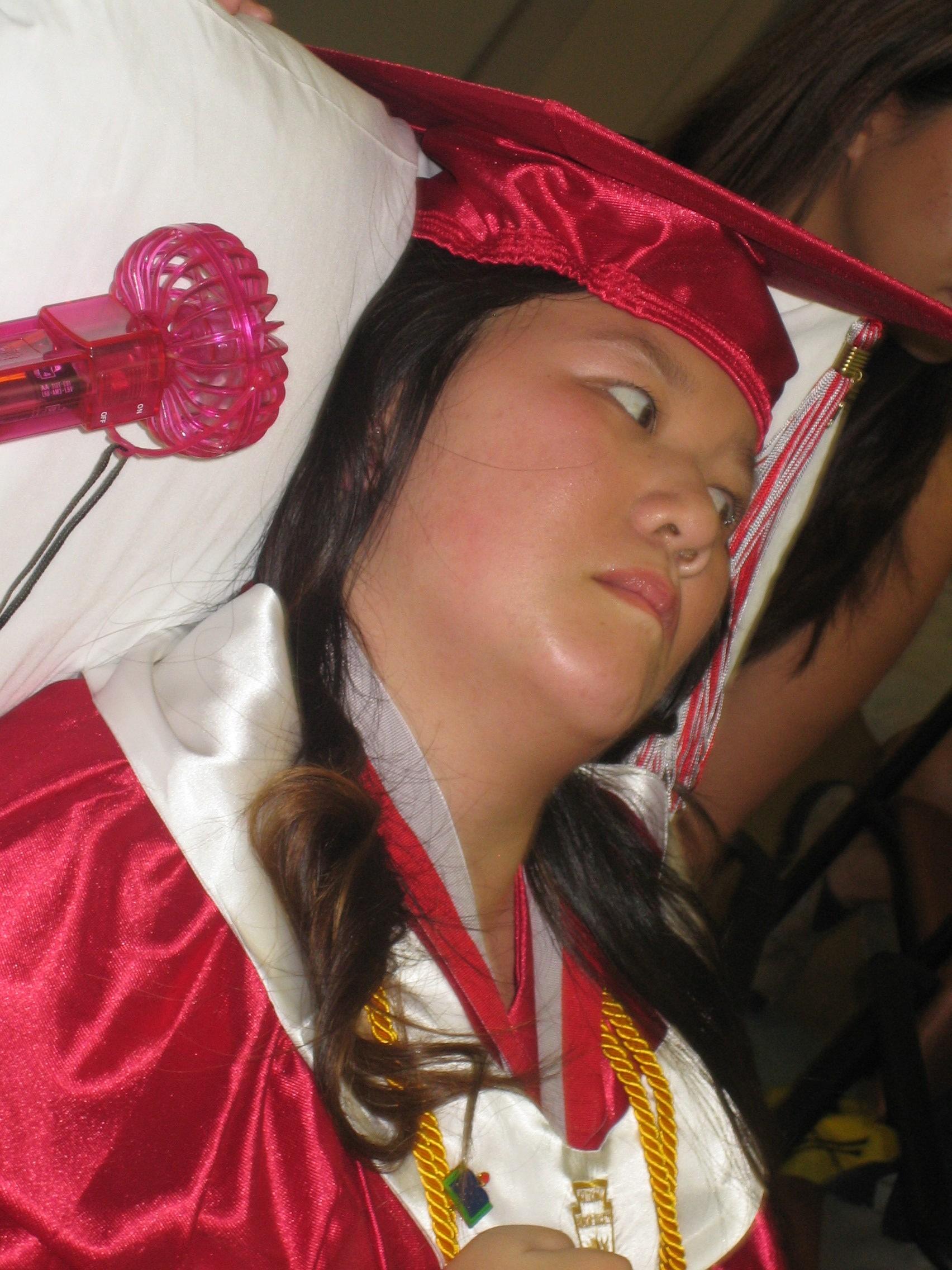 Queena Graduation 022