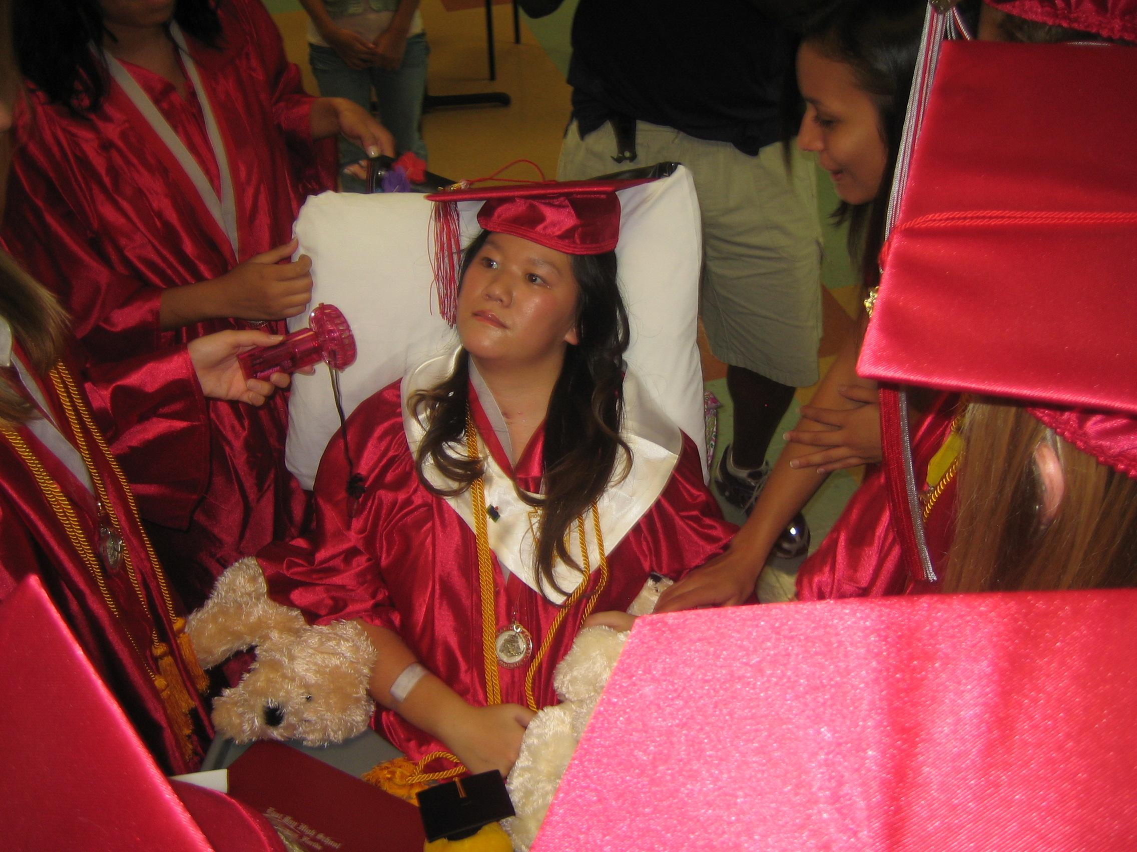 Queena Graduation 041