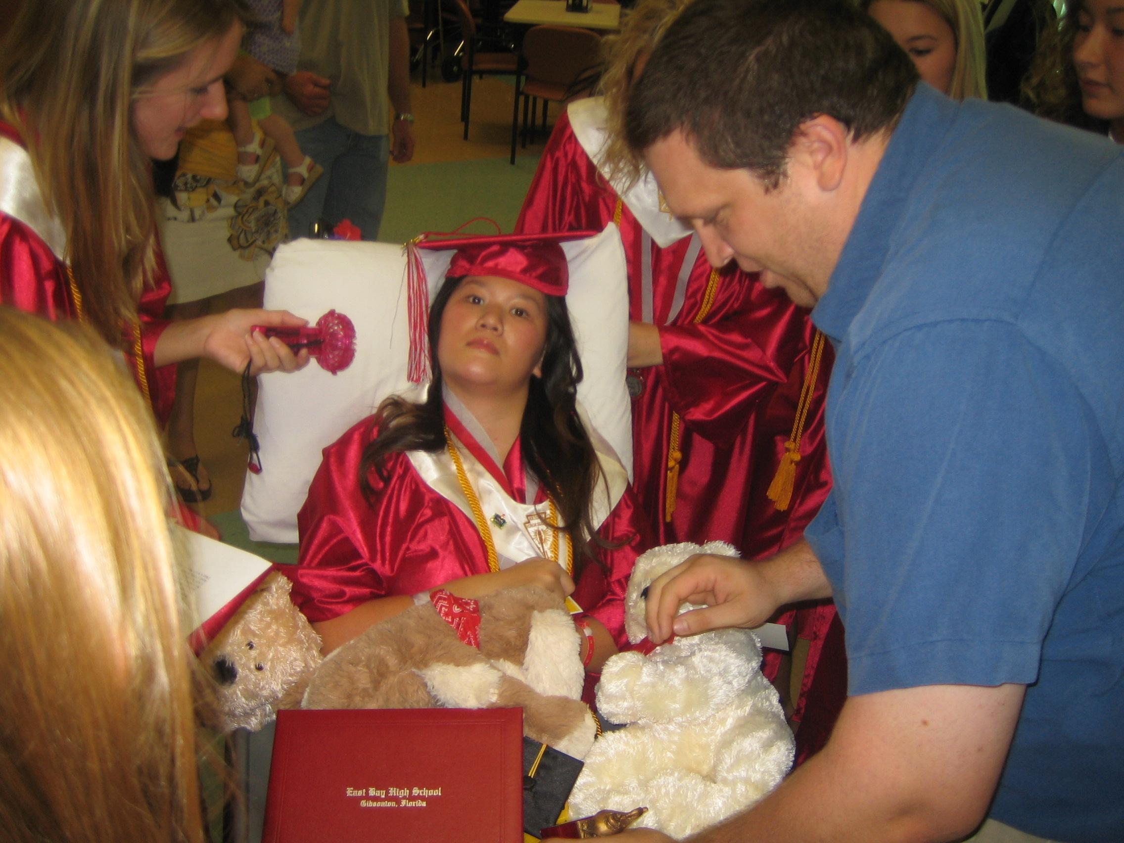 Queena Graduation 054